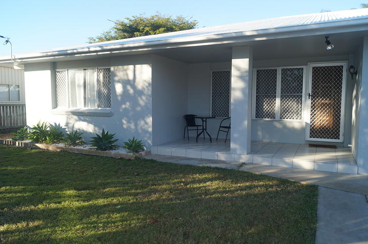 94d5d5e09dd222d6074bf786 2750 frontporch 1509088893 primary