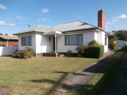 House - 4 Wallace Street, C...