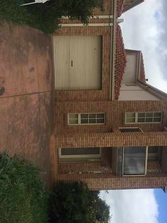 Townhouse - 11A Brindalee W...