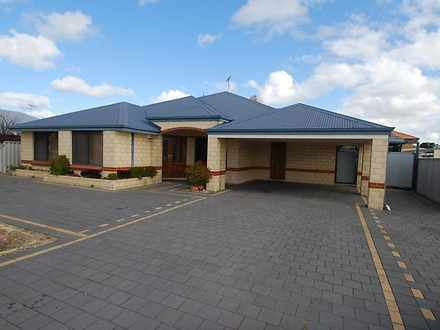 House - 12 Grampian Way, Ca...