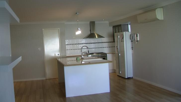 A981a91a4181efaade36f3e7 1398239304 20375 kitchen 1509522582 primary