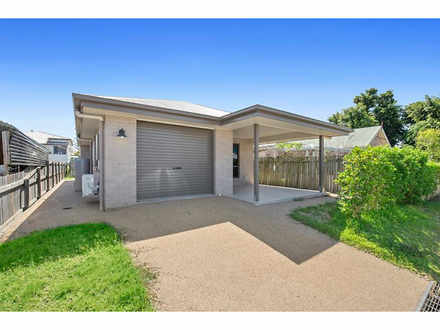 House - 16 Bolsover Lane, R...