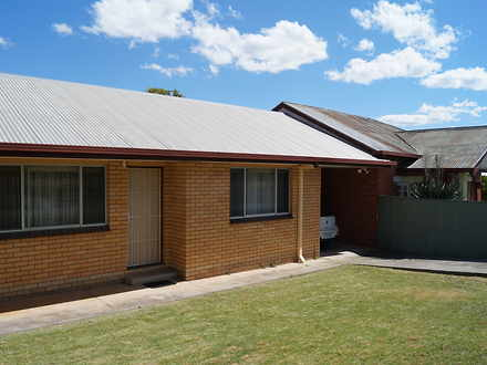 House - 2/325 Ampleforth St...
