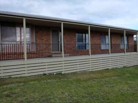 House - 1 Stirling Drive, L...