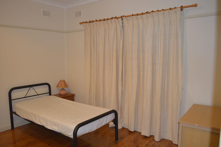 5 bedroom 3 1510295990 primary