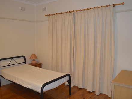 5 bedroom 3 1510295990 thumbnail