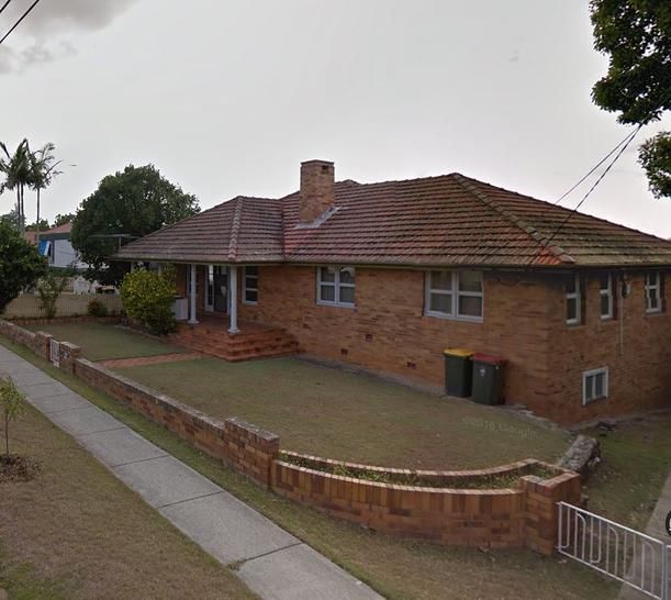 House - 2303 Wynnum  Road, ...
