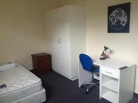 Apartment - ROOM 2 22   24 ...