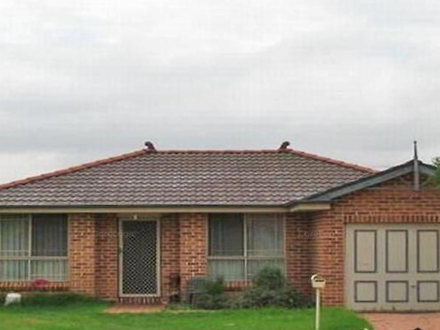 House - 29 Golding Drive, G...