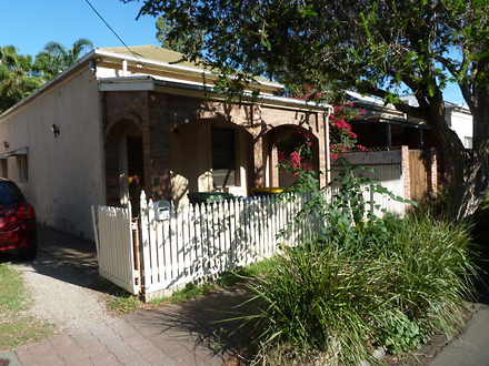 House - 34 Essex South Stre...
