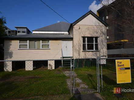House - 34 Carl Street, Woo...