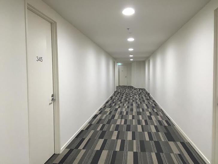 Corridor 1511128437 primary