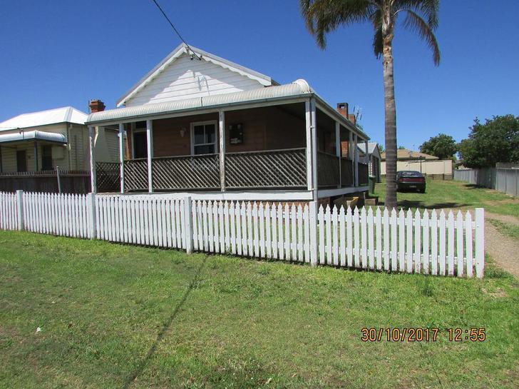 House - 136 Deakin Street, ...