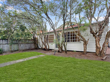 House - 805 Pittwater Road,...