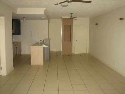 Apartment - Clifton Beach 4...