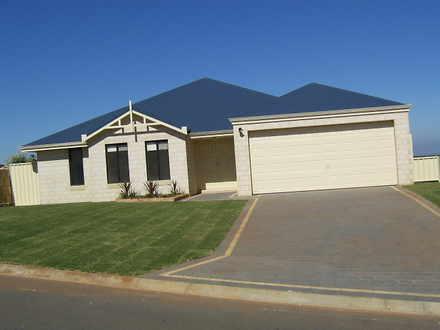House - 51 Jackson Wandina ...