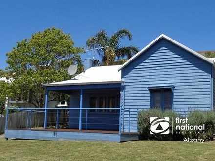 House - 61B Adelaide Cresce...