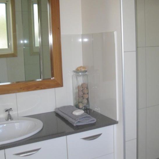 Bathroom 1511384951 primary