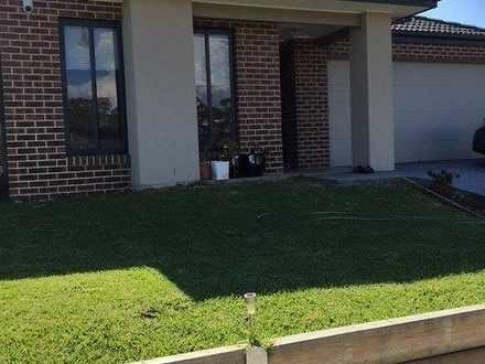 House - 9 Viewgrand Drive, ...