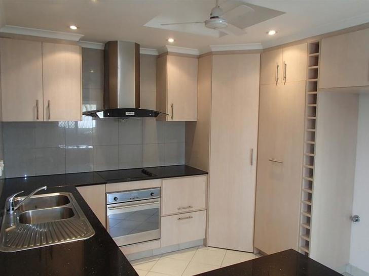 Townhouse - 1/10 Lowe Court...