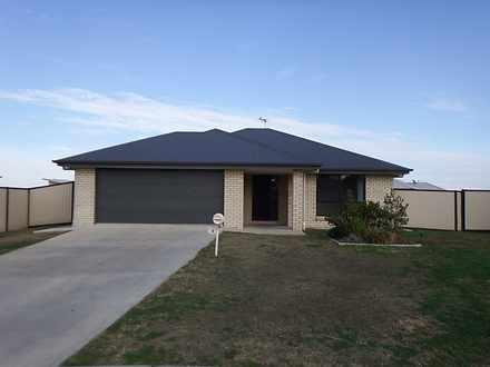 House - 13 Lockyer Crescent...