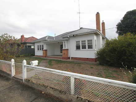 House - 107 Stawell North S...