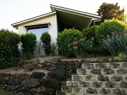 House - 1/6 Warrawee Drive,...