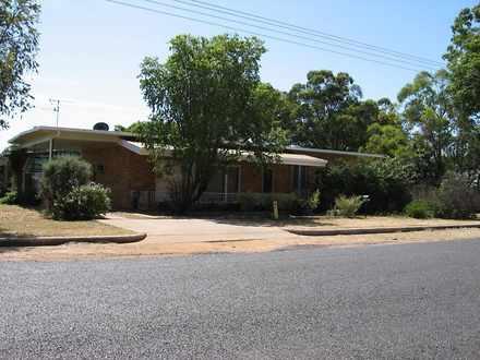 House - 25 Fraser Street, C...