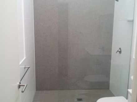 21cbeba0be5459f201d19203 b407 bathroom 1515397844 thumbnail