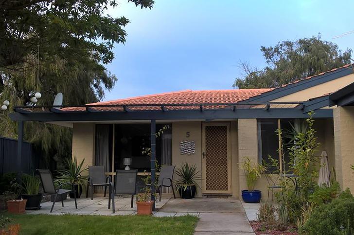 House - 5  Catalina Court, ...