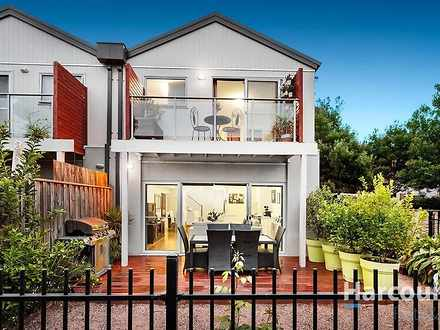 House - 23 Shearwater Place...