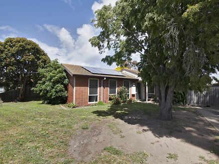 House - 15 Fairbairn Drive,...
