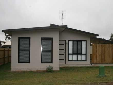 House - 14/73 Centenary S D...