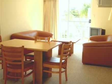 D9ad76f1945beedaaeaf41ac 4919 dining loungesmall 1516853833 thumbnail