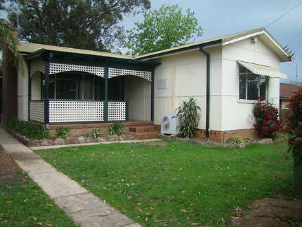 House - 35 Riverview Street...