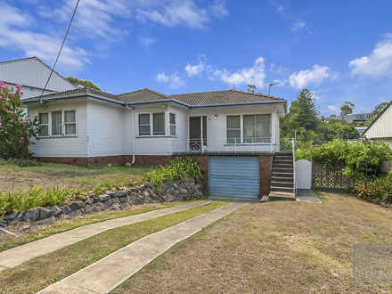 House - 11 Mirral Crescent,...