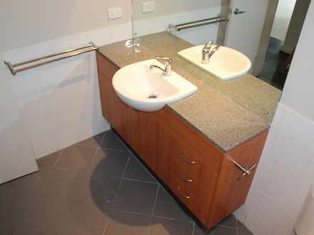 79935a850ca2de1dd2acedda 10974 34.9delhistwestperth bathroom july201726 1518665027 thumbnail