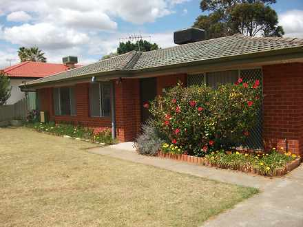House - 41 Mandfield Way, P...
