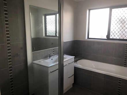 0aae95920d6ef4dbf32ae8f4 25909 bathroom 1519172156 thumbnail