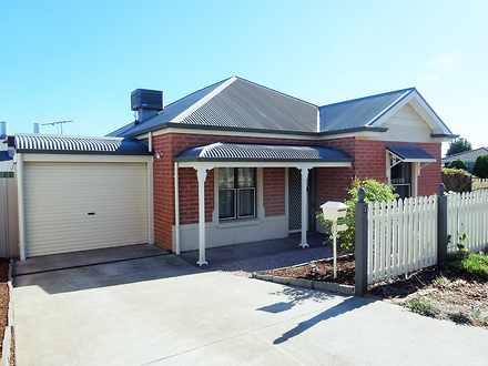 House - 1 Glenmore Close, G...