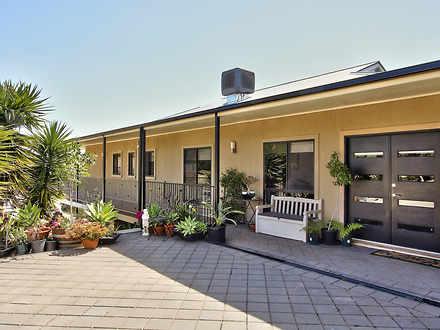 House - 82 Wheatley Road, L...