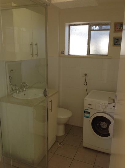 67fc2b1953808d7b43b7e2b2 27028 bathroom 1519930091 primary