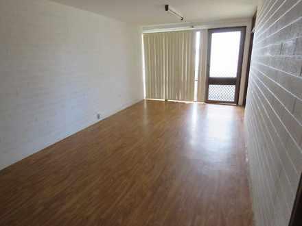 Apartment - 139 Augustus St...