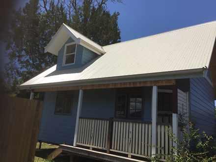 House - 4 Banksia Place, Mu...