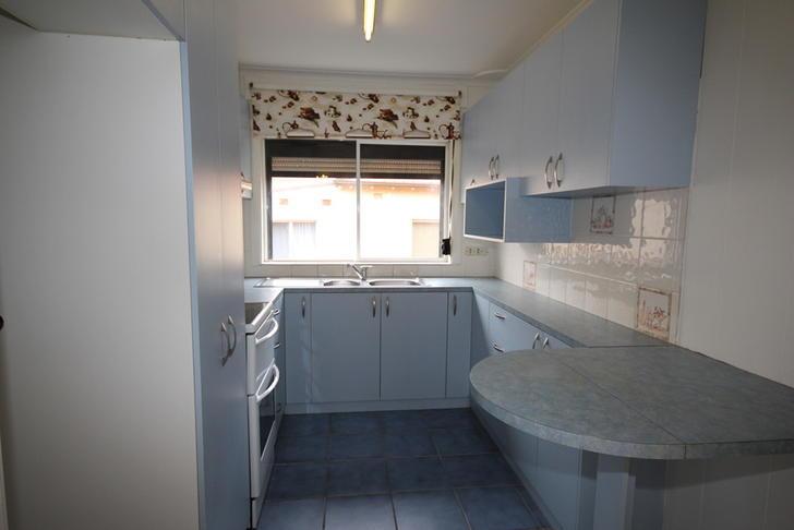 2faf58f144777fad0a10624f 11808 kitchen 1589530834 primary