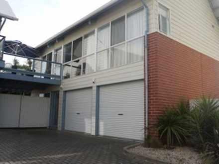 House - 2/16 Flinders Parad...