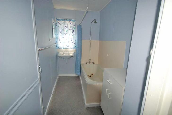 70ed115e239dd5233a110a52 623 bathroom 1521538152 primary