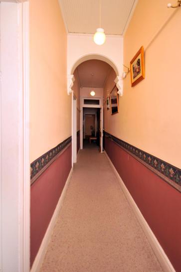 1f35f0742c7e2a978d2f645e 576 hallway 1522952899 primary