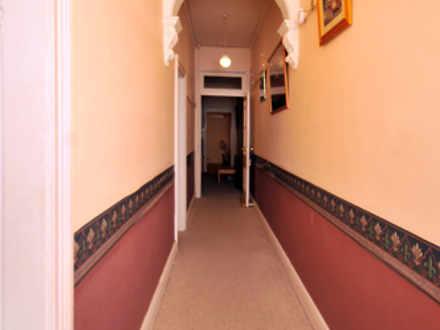 1f35f0742c7e2a978d2f645e 576 hallway 1522952899 thumbnail