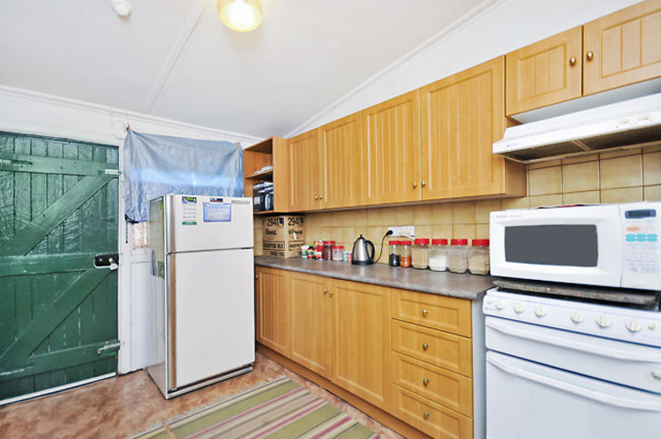 9a7ac28798484571a4f242d1 2532 kitchen r 1522952906 primary